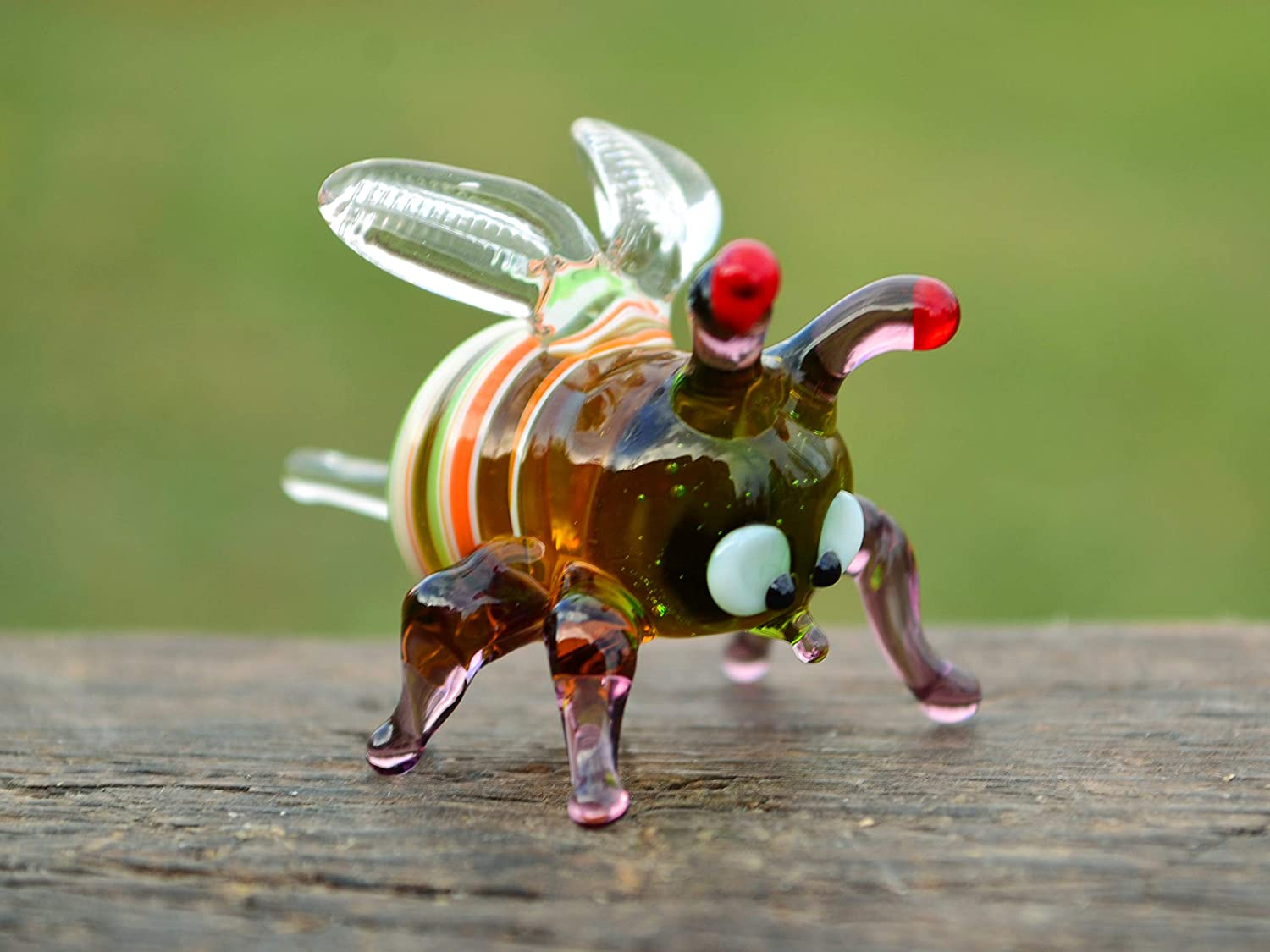Collectible Bee Sculpture Small Glass Bumble Bee Xmas Figurines Glass Bee Figure Bee Christmas Toy Miniature Gifts