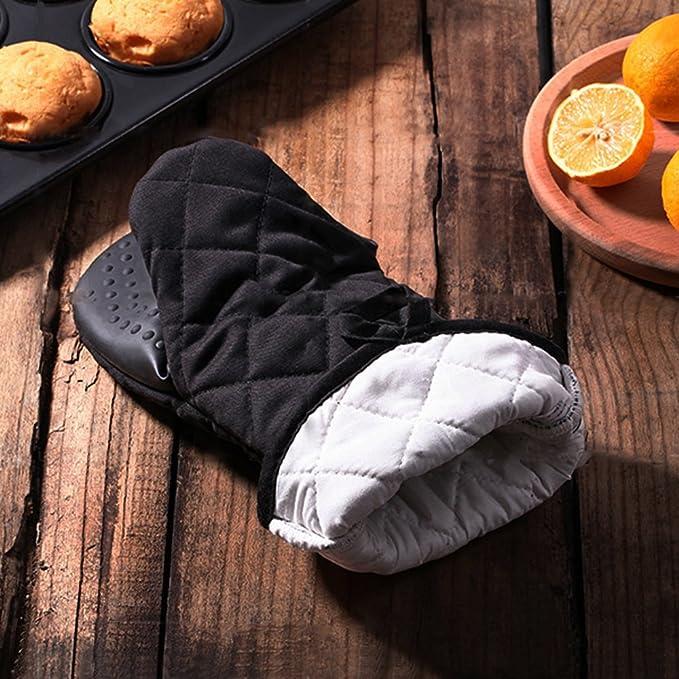 Linwnil Black Baking Silicone Insulation Gloves Thickening Heat-resistant Non-slip Duckbill Gloves Kitchen Oven Gloves Cotton Quilting Gloves 2pcs