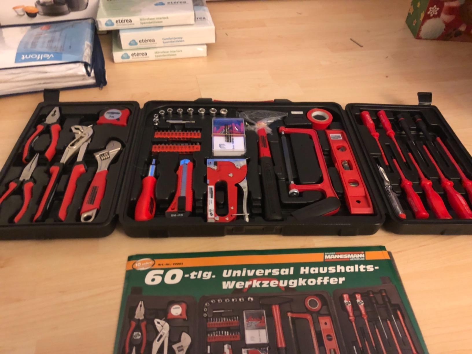 60 teilig Universal Haushalts-Werkzeugkoffer photo review