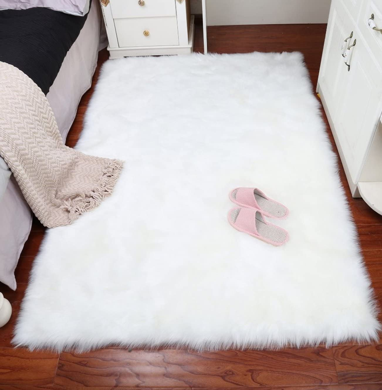 AUTENPOO Faux Fur Sheepskin Area Rug,Solid Shaggy Area Rugs for Living Bedroom Floor – White 9ftx12ft
