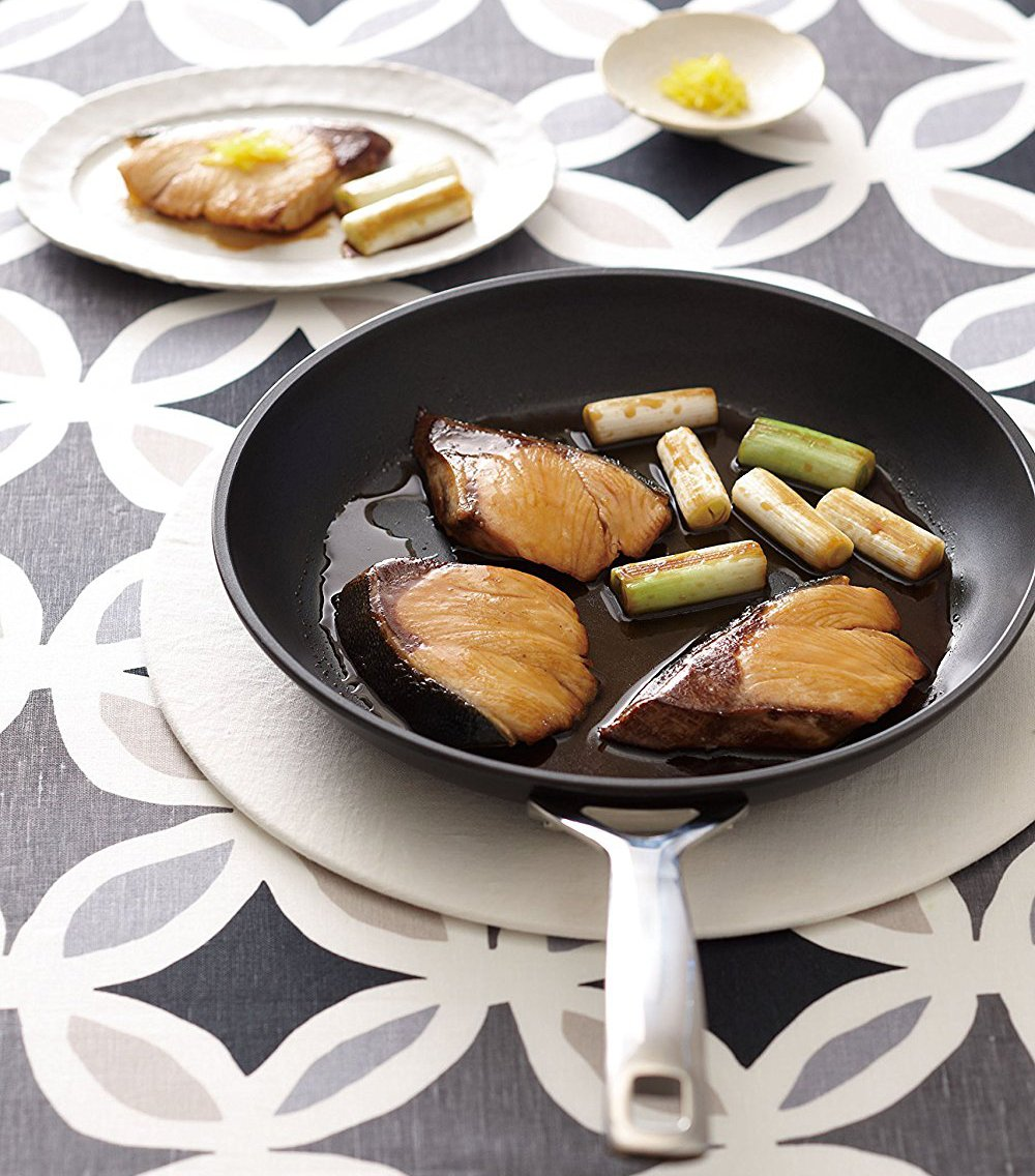 /Ø 26 cm 962030260 Le Creuset Toughened Non-Stick Shallow Frying Pan Black