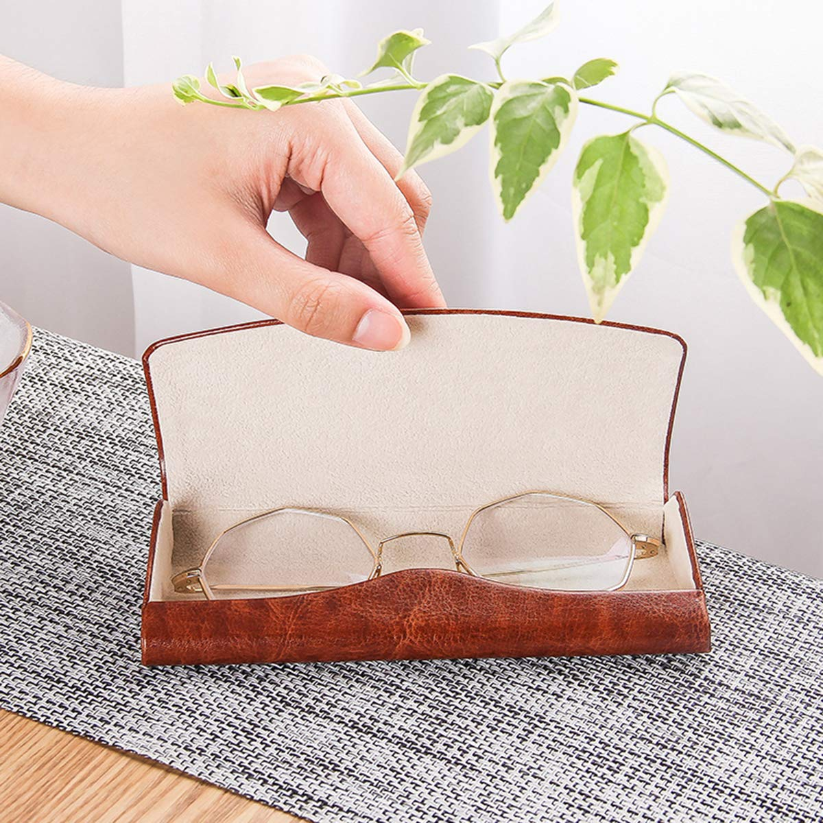 PU Leather Hard Shell Eyeglass Case Portable Sunglasses Glasses Holder Pouch (Brown) by Bauson (Image #8)