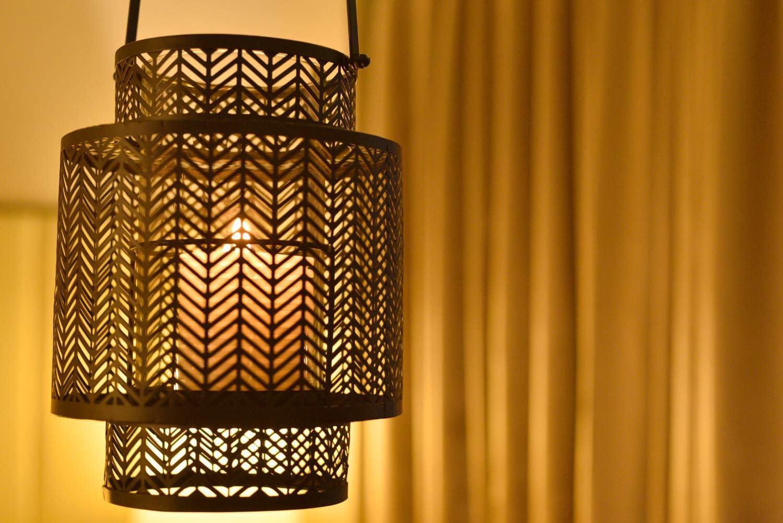 Decozen Small Black Metal Lantern Home Décor Lantern Indoor Outdoor with Durable Carry Handle Candle Lantern with Glass Candle Holder 7 x 7 x 9 inches