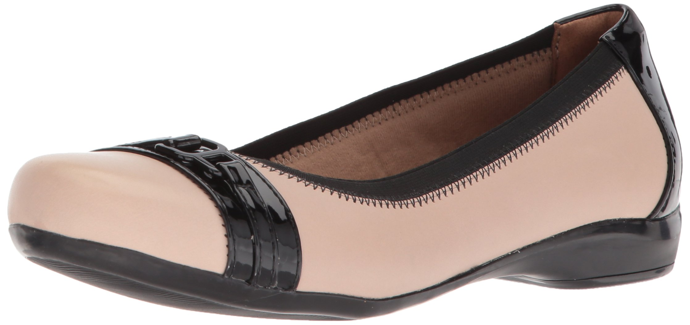 CLARKS Women's Kinzie Light Loafer Flat, Cream Leather/Synthetic Patent, 5.5 Medium US