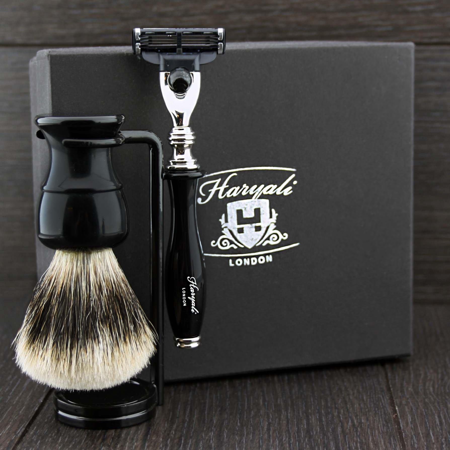 3 Piece Shaving Set For Men's. Set Includes Badger Hair Brush,(Gillette Mach 3)razor & Dual Stand in Black.