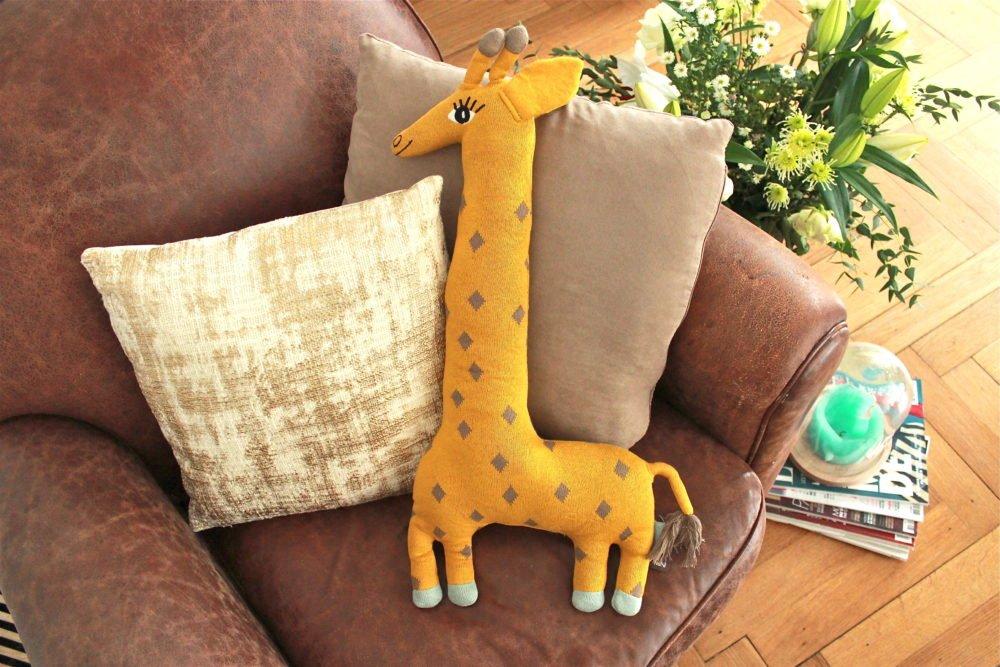 Stofftier Kissen Giraffe NOAH von OYOY