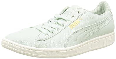 Ein Schickes Schwarz Weiß Puma Sneaker Schuhe Sport