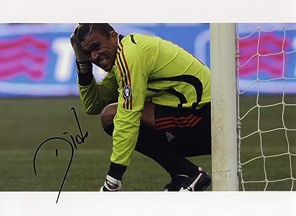 Amazon Com Brazilian Goalkeeper Dida Ac Milan Autograph Ip Signed Photo Sports Collectibles