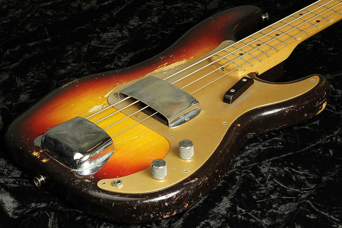 Fender/Precision Bass Sunburst with Gold Anodized Pickguard S/N 026536 B01NBXFWCI