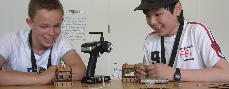Mit Batterien und Montagewerkzeug YouMake Elektromotor Bausatz // Lehrmittel // Lernspielzeug dolde engineering Made in Germany!