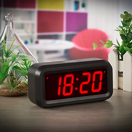 Amazon.com: ChaoRong Small Wall/Shelf/Desk Digital Clock Only Battery Operated with 1.2