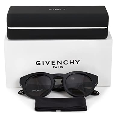 85af582a7 Amazon.com: Givenchy GV 7007 807 NR Studed Black Plastic Round Sunglasses:  Givenchy: Clothing