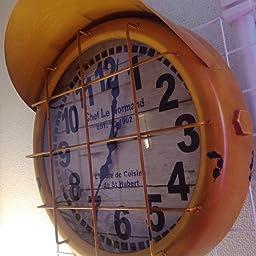 Amazon Co Jp アンティーク クロック サブマリン イエロー 潜水艦 レトロ調 ビンテージ クロック 壁掛け時計 時計 アメリカン雑貨 アメ雑貨 男前 ホーム キッチン