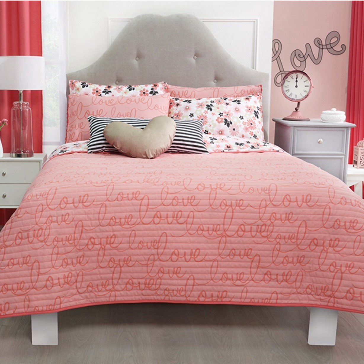 LIMITED EDITION LOVE TEENS GIRLS REVERSIBLE COMFORTER SET 5 PCS QUEEN/FULL SIZE
