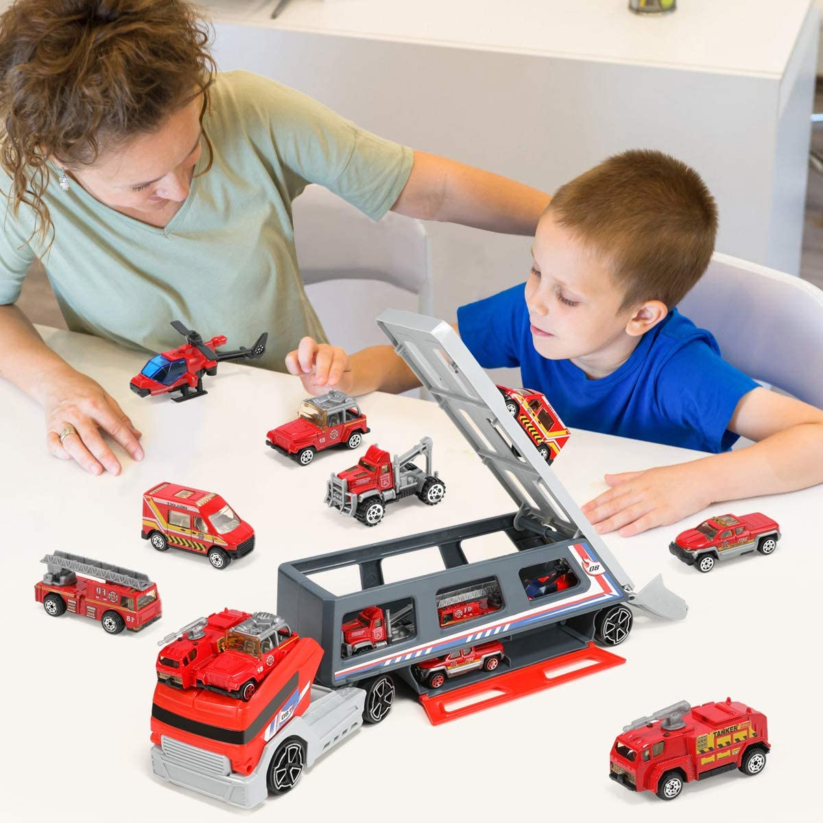 Transport Car Fire Truck Die-cast Fire Engine Car in Transport Vehicle,Mini Rescue Emergency Double Side Truck Toys for Kids,Boy Girl Party Favors Geyiie Carrier Truck Toy