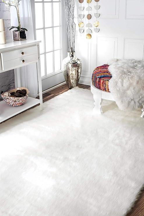 Amazon Com Nuloom Cloud Faux Sheepskin Soft Plush Shag Area Rug 9 X 12 Ivory Furniture Decor