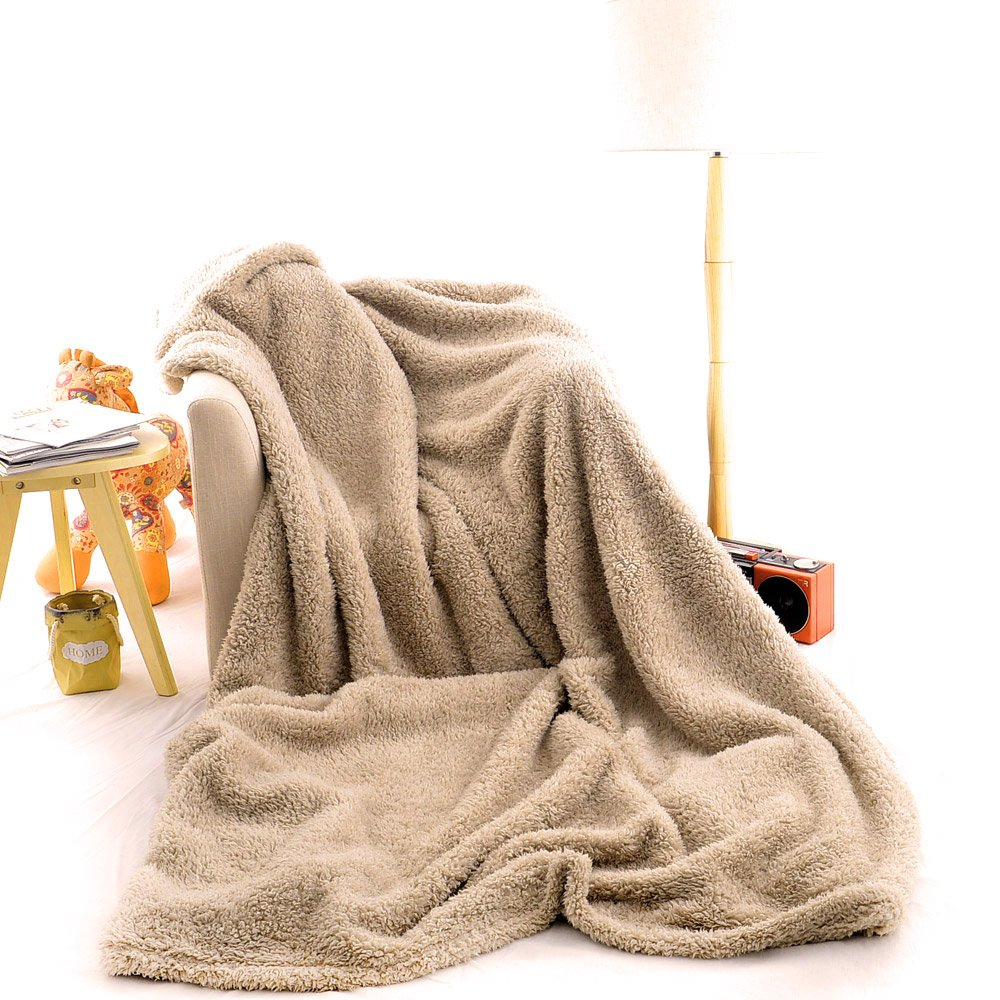 "battilo Oversized Plush Sherpa Large Throw Blanket 98"" L x 78"" W"