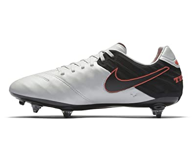 new arrival 1e860 955b6 Amazon.com | Nike Tiempo Legacy II SG Mens Football Boots ...