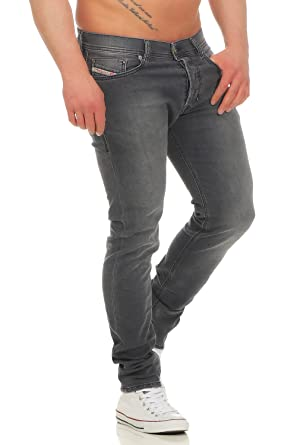 da946fc3f72 Amazon.com  Diesel Men s Tepphar 662U Slim Carrot Jeans 72% Cotton ...