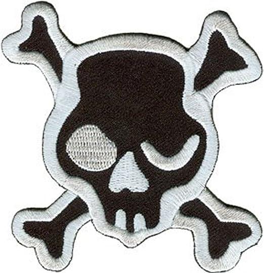 amazon com novelty iron on patch skulls black skull crossbones rh amazon com Winking Eye Drawing Moving Winking Eyes Clip Art