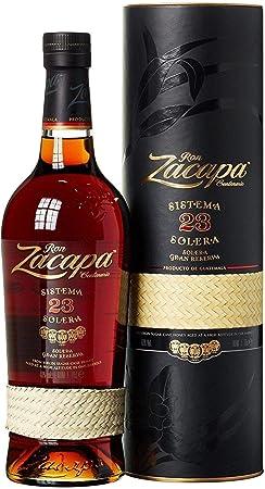 Zacapa 23 es un ron súper-premium elaborado a partir de una mezcla de rones añejados entre 6 y 23 añ
