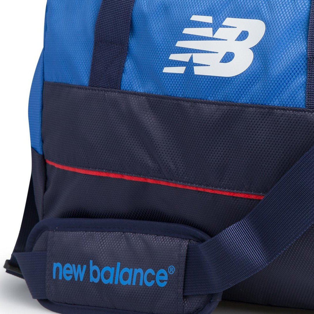4cf7cfc3113 New Balance England Cricket Duffle Bag: Amazon.co.uk: Sports & Outdoors
