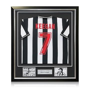 exclusivememorabilia.com Camiseta de Fútbol Newcastle United firmada por Kevin Keegan. En Marco de