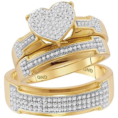 Juego de anillos de boda de oro amarillo de 10 quilates con diamantes redondos y corazones