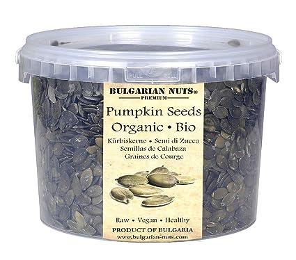 2 kg Semillas de calabaza crudas orgánicas sin cáscara plantadas, cultivadas y cosechadas en Sunny Bulgaria