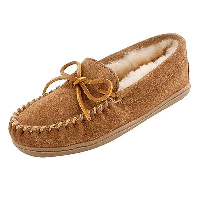 Minnetonka Women's Sheepskin Hardsole Tan Moccasin 8 W   Slippers