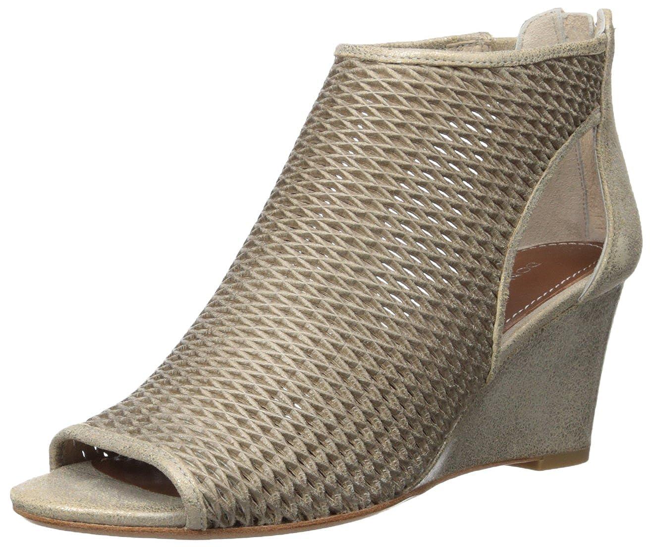 a01b3805bd4 Amazon.com  Donald J Pliner Women s Jace-T8T8 Wedge Sandal  Shoes