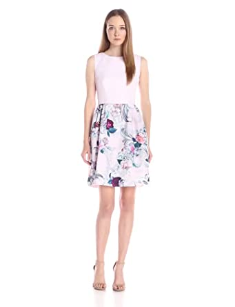 82ec1cb8fbd3 Amazon.com  Ted Baker Women s Eilah Acanthus Scroll Print Fit ...