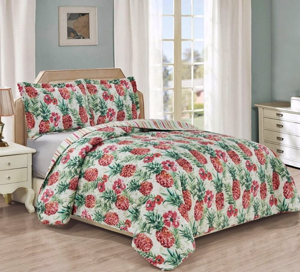 Tropical Pineapples and Hibiscus Flowers 3pc King Size Quilt Set