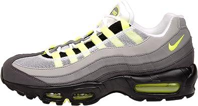 Celsius Además Persona  Amazon.com   Nike Men's Air Max 95 OG, BLACK/VOLT-MEDIUM ASH-DARK PEWTER,  10.5 M US   Shoes