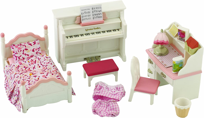 Sylvanian Families Girl S Bedroom Set Amazon Co Uk Toys Games