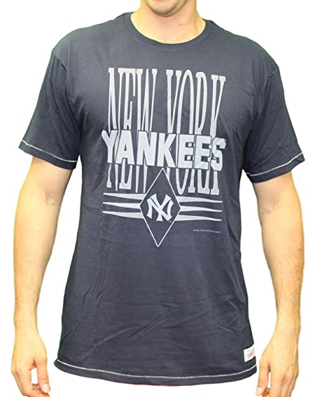 05a28af5d Image Unavailable. Image not available for. Color  Mitchell   Ness New York  Yankees MLB Extra Out Vintage Premium Men s T-Shirt