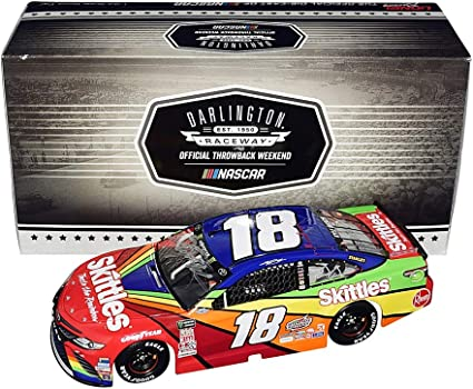 Kyle Busch 2018 Lionel #18 Skittles Darlington Toyota Camry 1//24 FREE SHIP