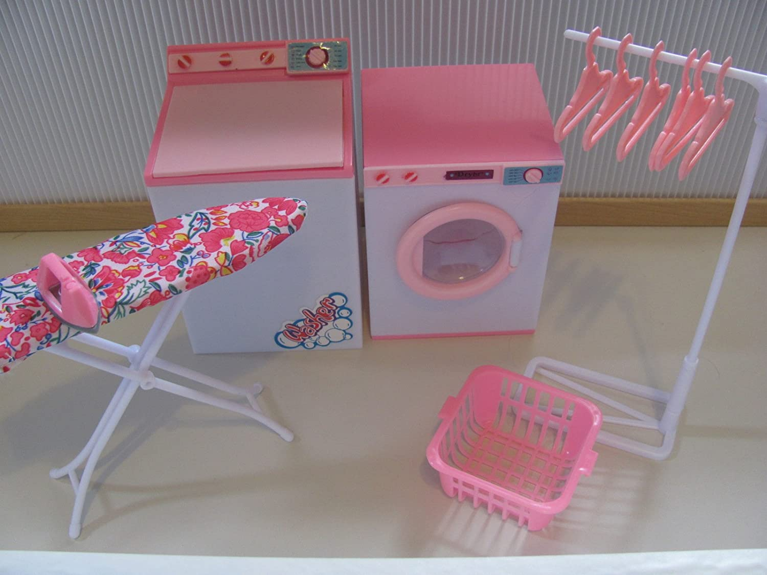 Gloria Laundry Center Play Set