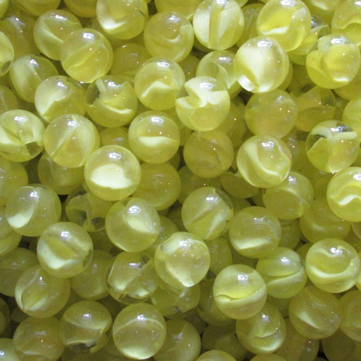 """Unique & Custom {3/4'' Inch} Approx 2 Pound Set of Big """"Round"""" Clear Marbles Made of Glass for Filling Vases, Games & Decor w/ Basic Shiny Lemonade Swirl Inner Cat's Eye Design [Yellow]"""