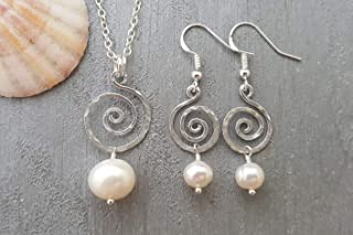 """product image for Hammered Swirls Wire Sized Round Natural Pearl necklace + Earrings Set,""""June Birthstone"""",""""Pearl Lover Set"""", (Hawaii Gift Wrapped, Customizable Gift Message)"""