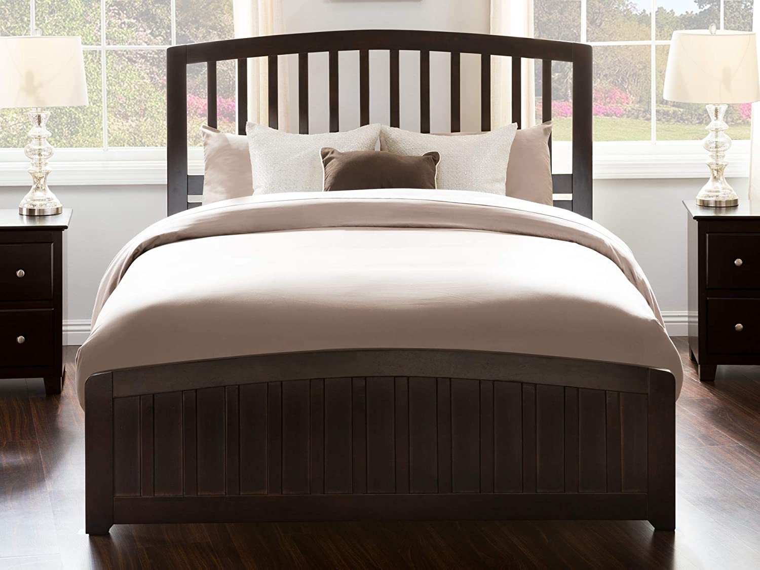 Atlantic Furniture Richmond Queen Traditional Bed with Matching Foot Board in Espresso