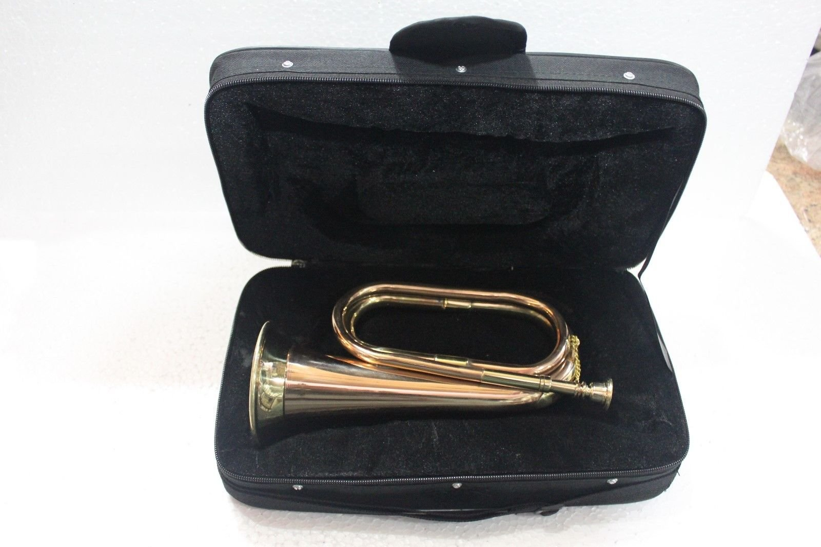 Queen Brass Bugle Brass With Bugle Instrument W/Case Gold by Queen Brass