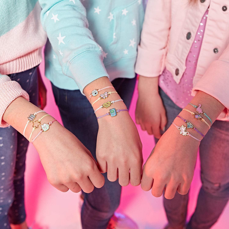 Wow Wee 4620 Lot de 4 Bracelets Porte-Bonheur avec breloque S/érie 1