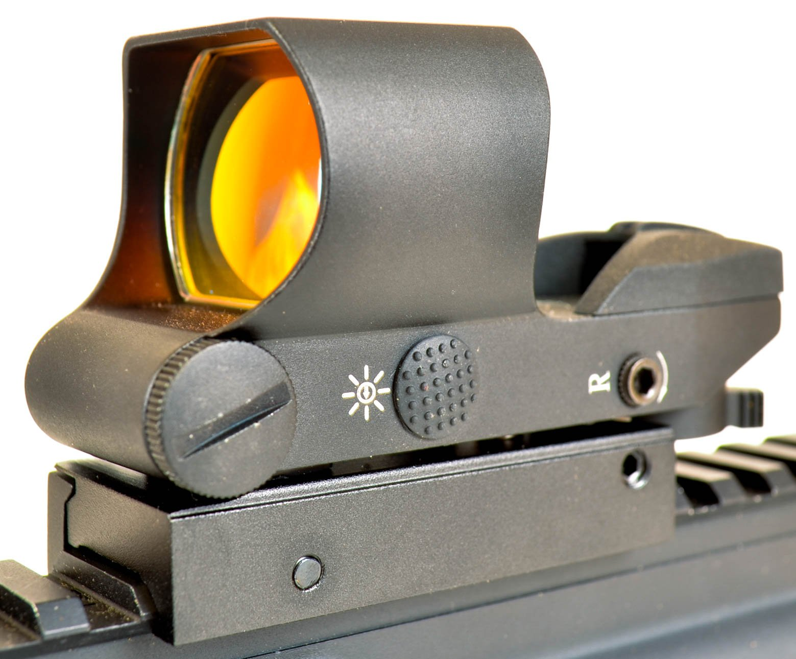 OZARK ARMAMENT Reflex Sight - Rail Mount Co-Witness with Large Sun Shade - Multiple Reticle System by OZARK ARMAMENT