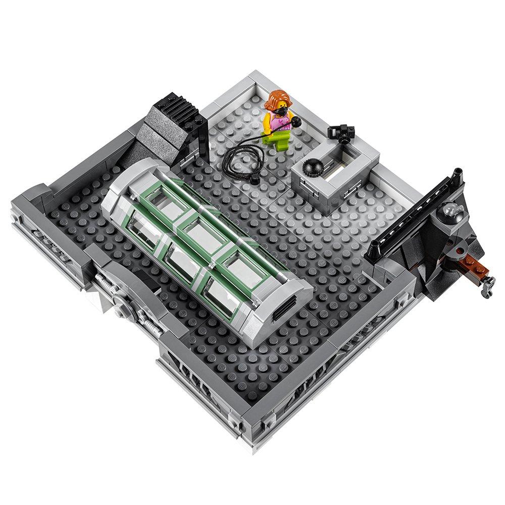 LEGO Creator Expert Brick Bank 10251 Construction Set by LEGO (Image #4)
