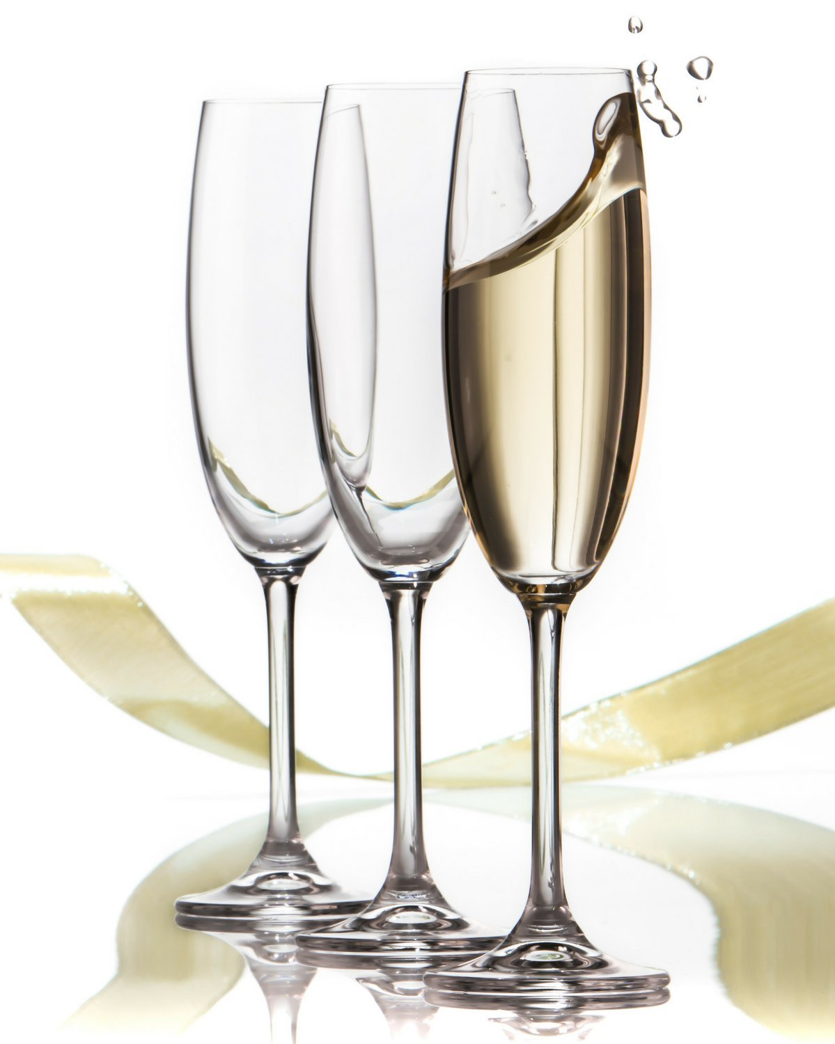 Amazon.com: Champagne Glasses Set - Lead Free Titanium Crystal Sparkling Wine  Glass, 7.5 oz. Elegant Fluted Glassware - Best For Weddings, ...