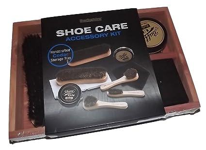 Amazoncom Berkshire Cedar Wood Shoe Shine Kit With 5 Brushes 2