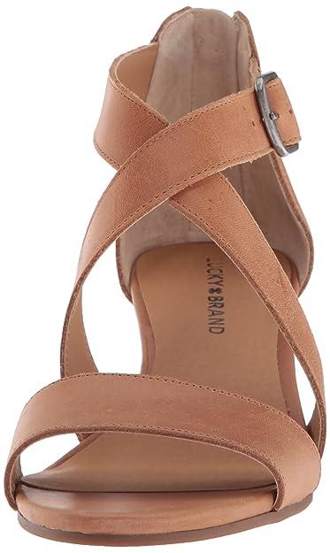 e415a194364d Amazon.com  Lucky Brand Women s Jenley Sandal  Shoes