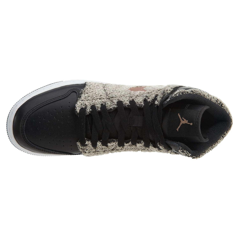 a34594c81c0a01 Amazon.com  NIKE Air Jordan 1 Retro High GG Mens Fashion-Sneakers 332148   Jordan  Shoes