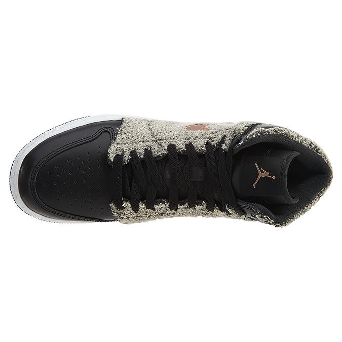 5a82765b768de3 Amazon.com  NIKE Air Jordan 1 Retro High GG Mens Fashion-Sneakers 332148   Jordan  Shoes